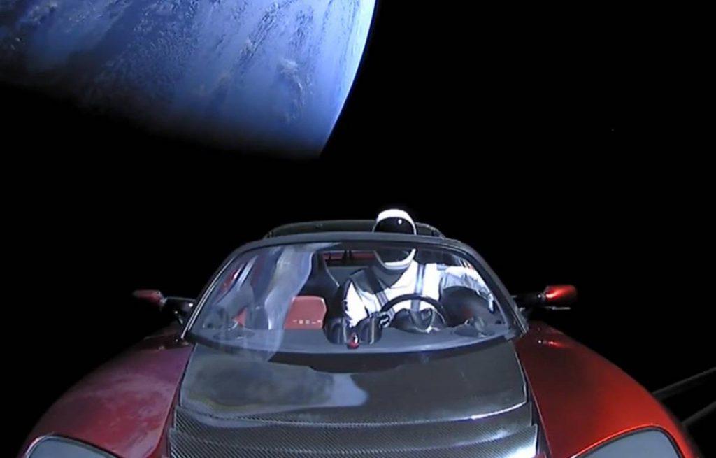 Tesla dans l'espace